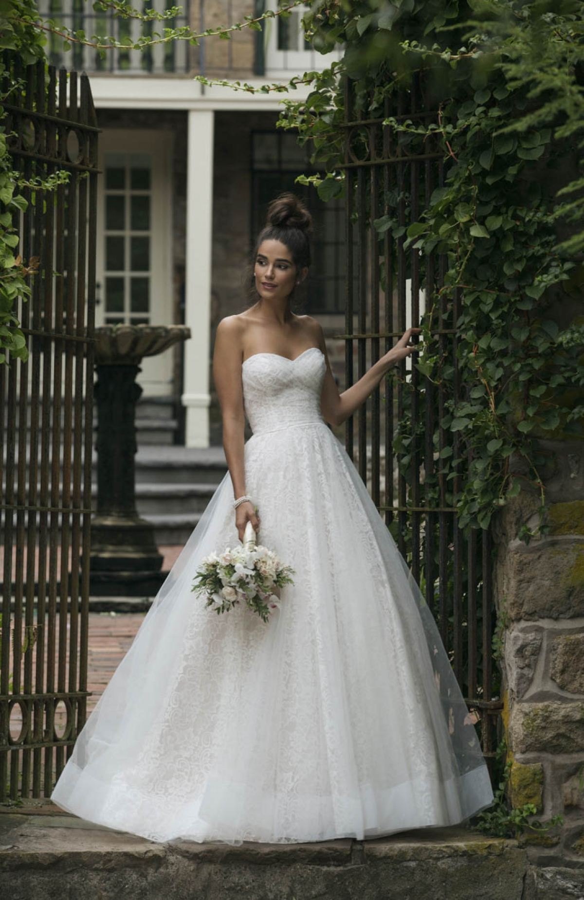 a31ddcff39cd Bridal trends for 2019 – what wedding dress will you wear
