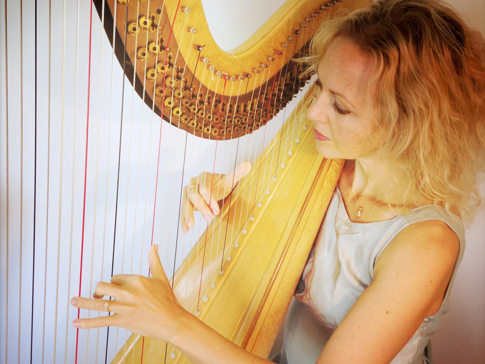 The Wedding Harpist
