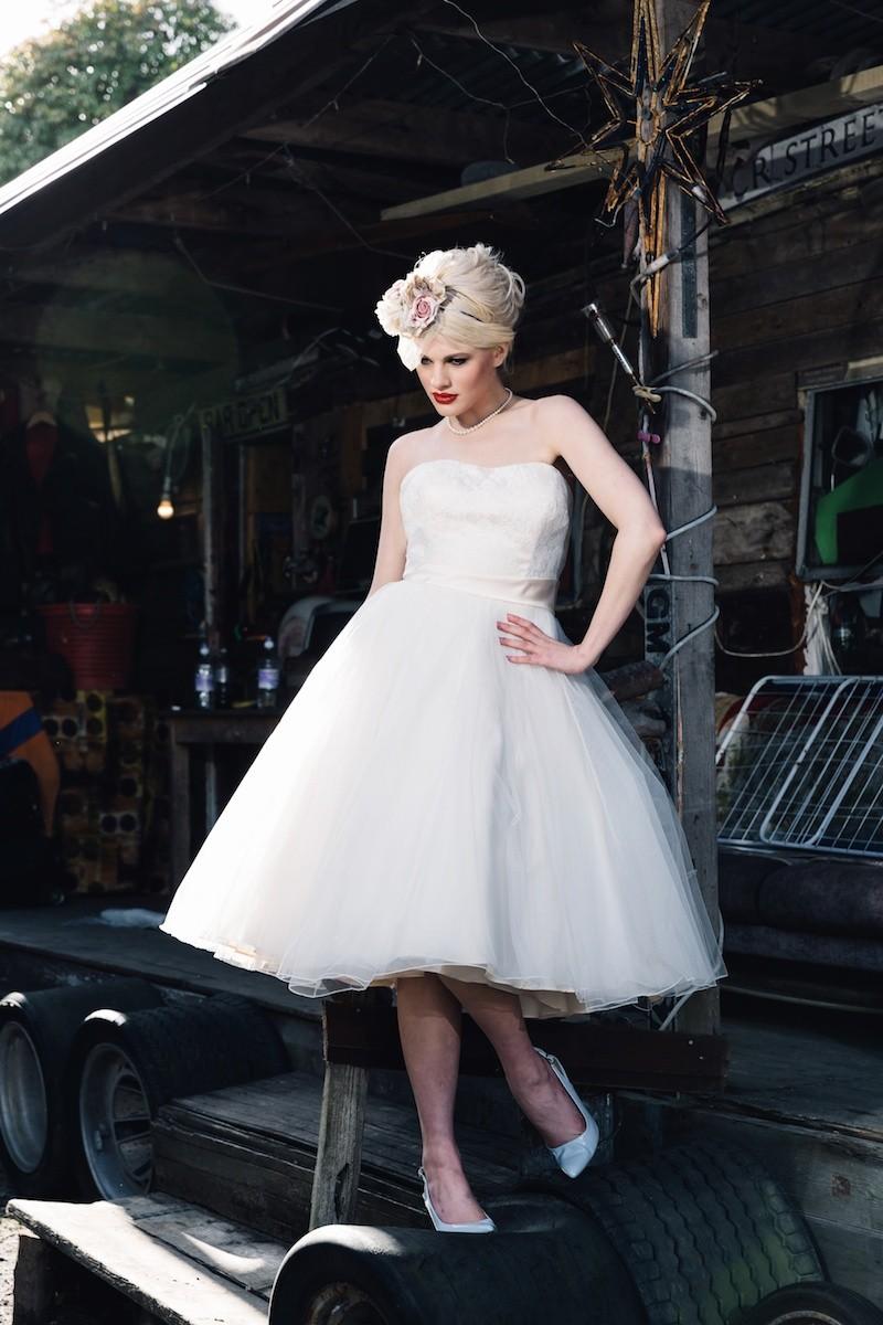 Wedding Dresses Cornwall   Kirstin Prisk Photography