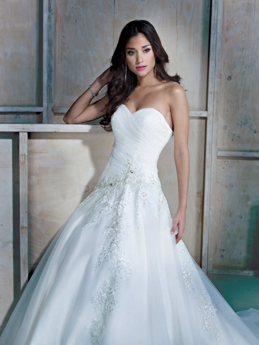 Wedding dresses cornwall dress shapes for Ella rose wedding dress