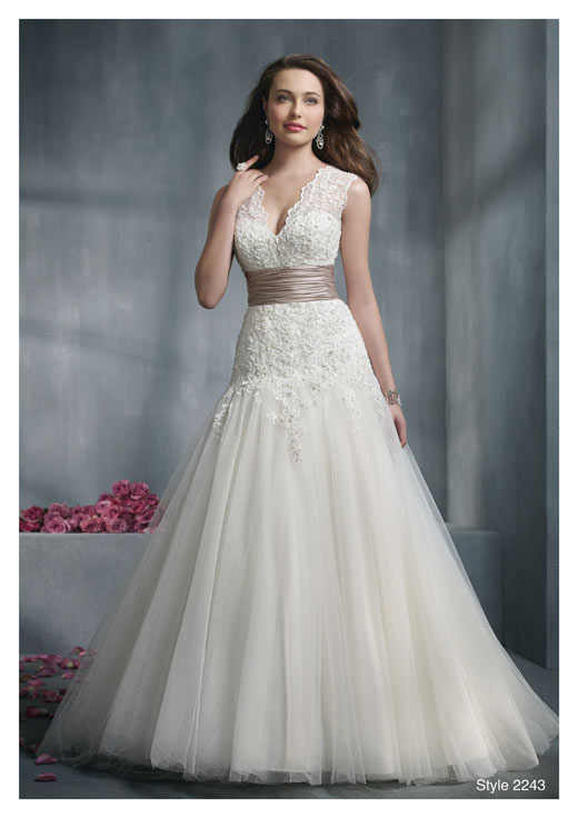 dressing for body type With wedding dress for large bust