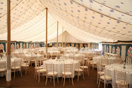 Decorating A White Marquee