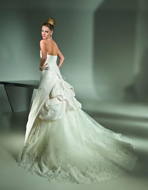 Guide To Wedding Dress Buying