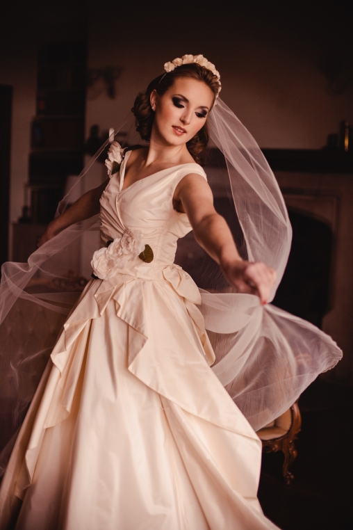 A Vintage Inspired Look Is Enormously Popular With Many Brides Today Heres How You Can Create Wedding Style That Pays Homage To The Past But